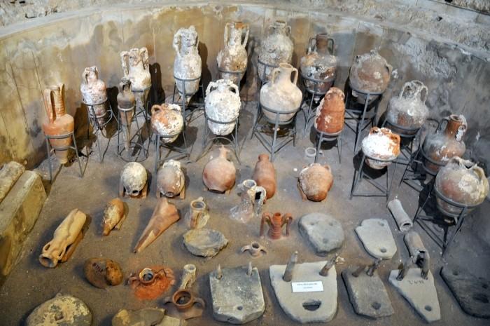 Kolekcja amfor w Muzeum w Side