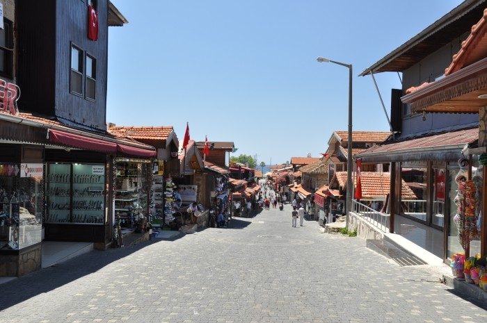 Ulica Liman Caddesi w Side