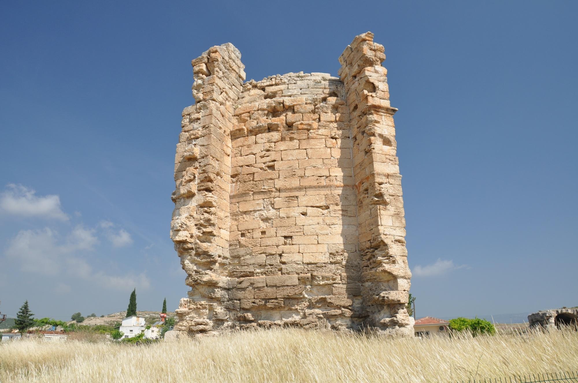 Kościół świętej Tekli w Silifke - bazylika wzniesiona przez Zenona Izauryjczyka