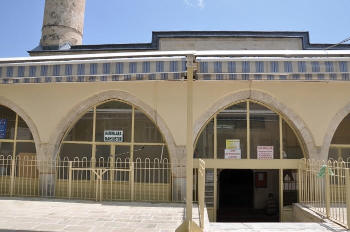 Wejście do meczetu Alaaddin w Silifke