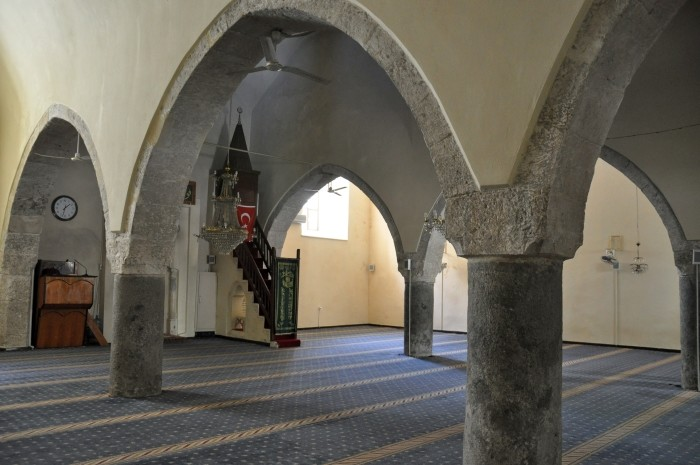 Wnętrze meczetu Alaaddin w Silifke