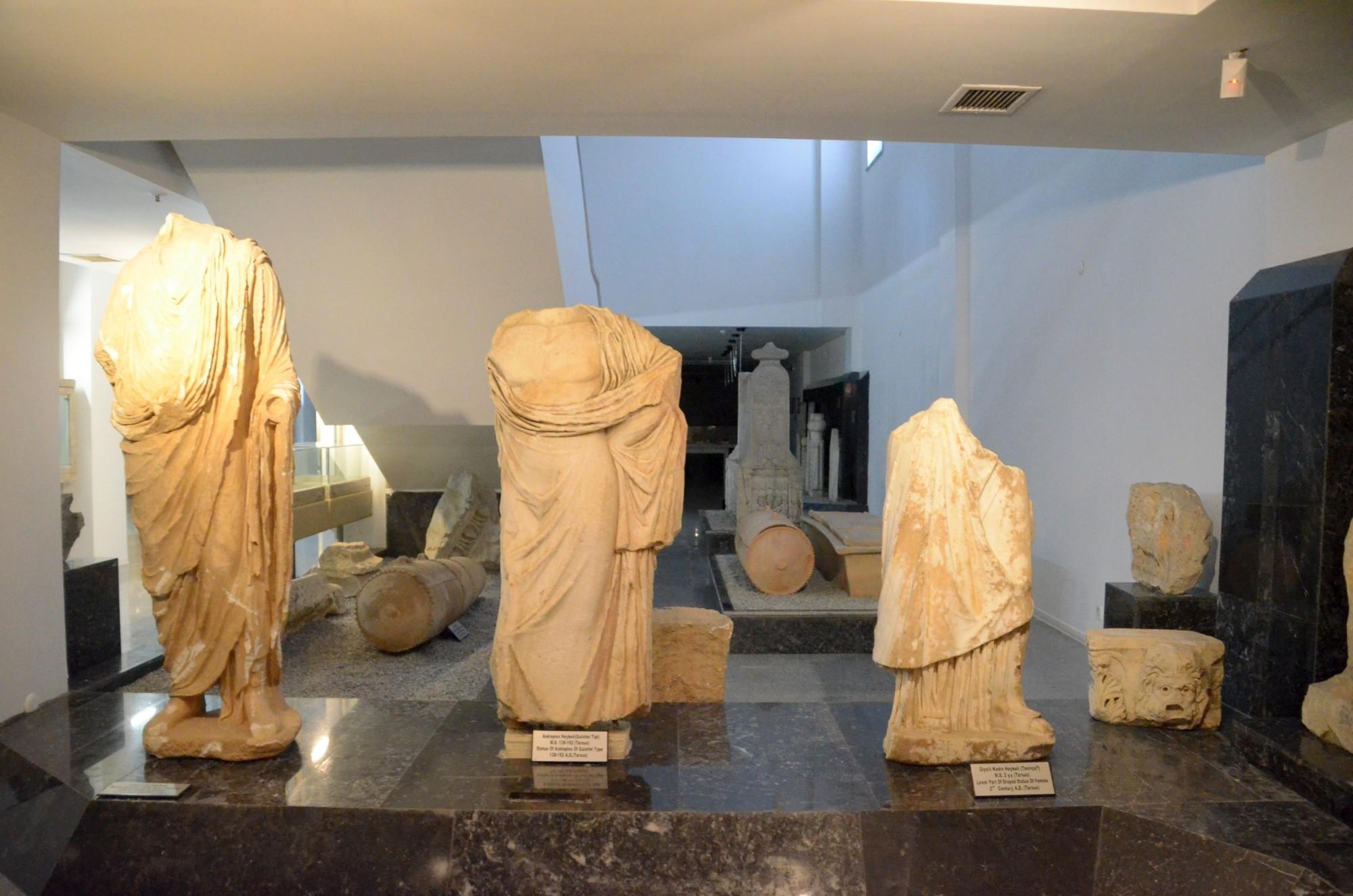 Posągi z okresu rzymskiego