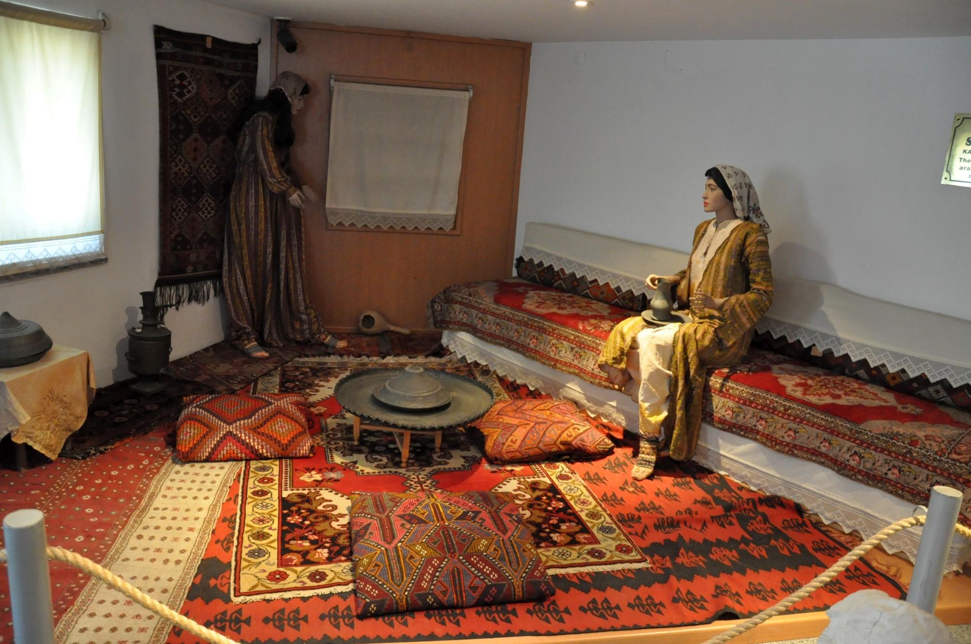 Wnętrze domu z regionu Tarsus