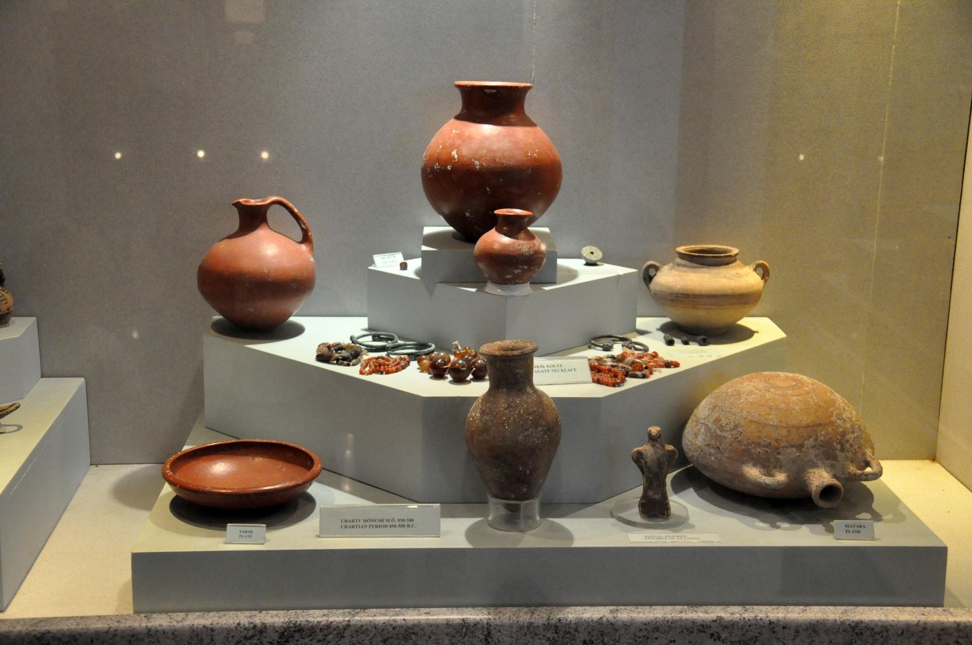 Eksponaty z cywilizacji Urartu