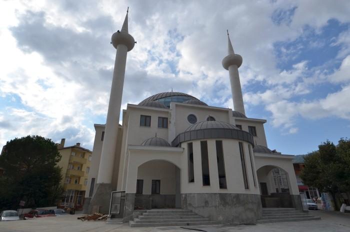 Nowy meczet w centrum Yenice
