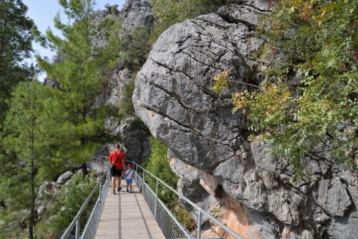 Dojście do jaskini Cüceler