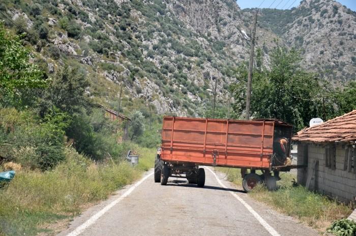 Droga prowadząca do jaskini Karain