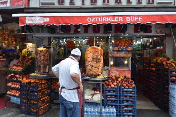 Sprzedawca kebabów w Stambule