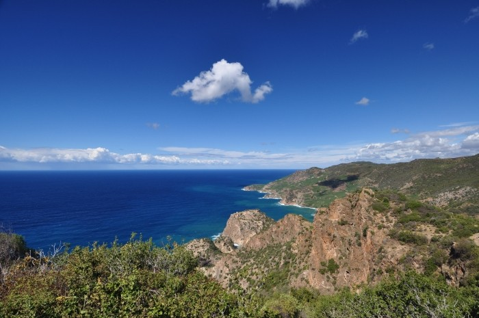 Widok z akropolu na wybrzeże śródziemnomorskie