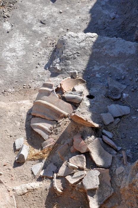 Odkopana przez archeologów ceramika w Beycesultan