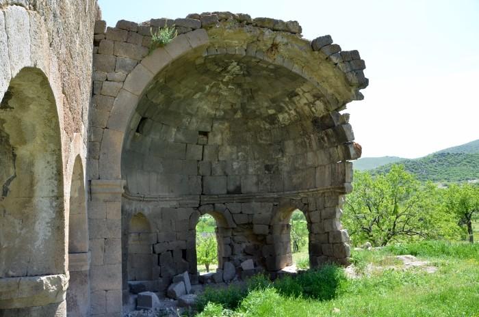Ruiny kościoła w Madenşehri