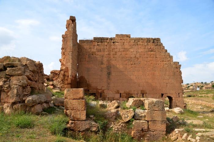 Wieża obronna - pozostałość po fortyfikacjach w Darze