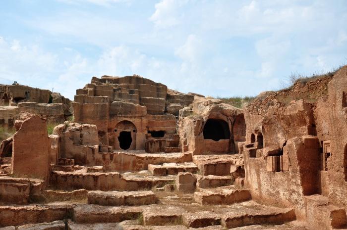 Nekropolia antycznego miasta Dara