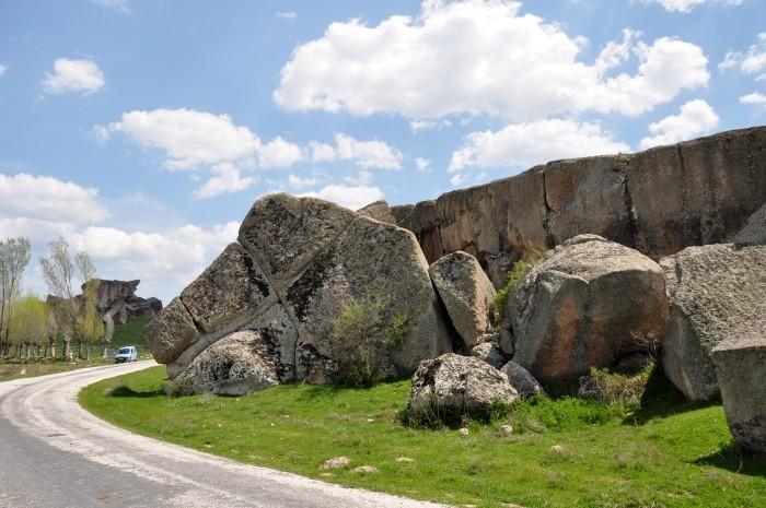 Formacje skalne w dolinie Göynüş