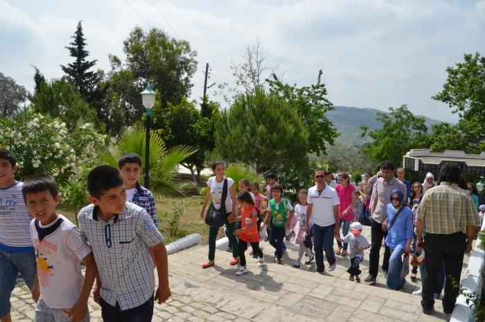 Turyści w Eshab-ı Kehf