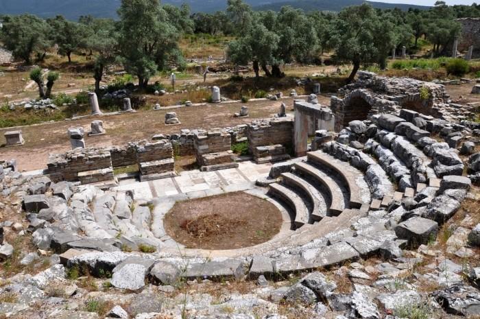 Widok z buleuterionu na agorę w Iasos