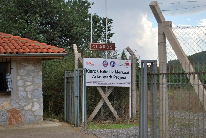 Tablica informacyjna w Klaros