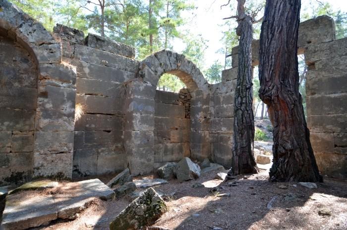 Świątynia w Lyrbe