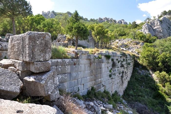 Górne mury miejskie w Termessos