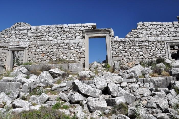 Budynek skene teatru w Termessos