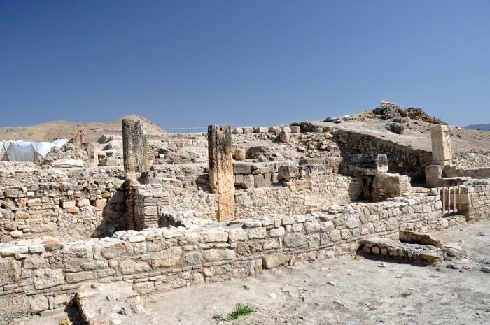 Fragmenty budynków w Tripolis