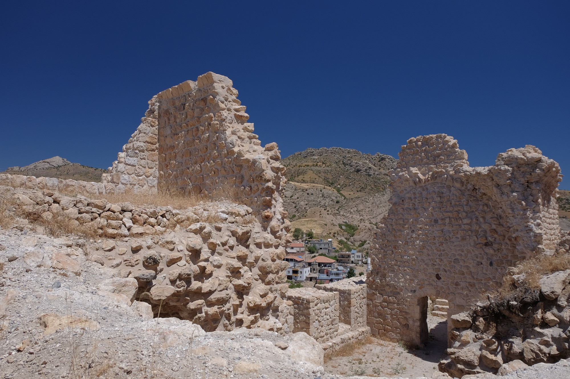 Twierdza Yeni Kale w Eski Kahta