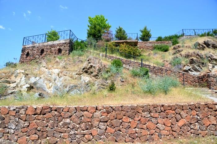 Taras widokowy na hetycki kamieniołom w Yesemek