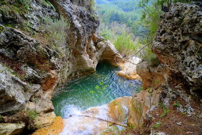 Góra wodospadu Ucan z prawej